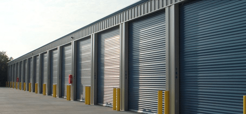 self storage unites with closed gates