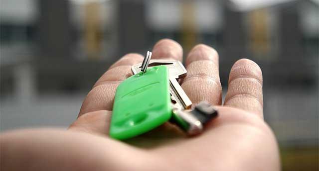 Keys in someone hand