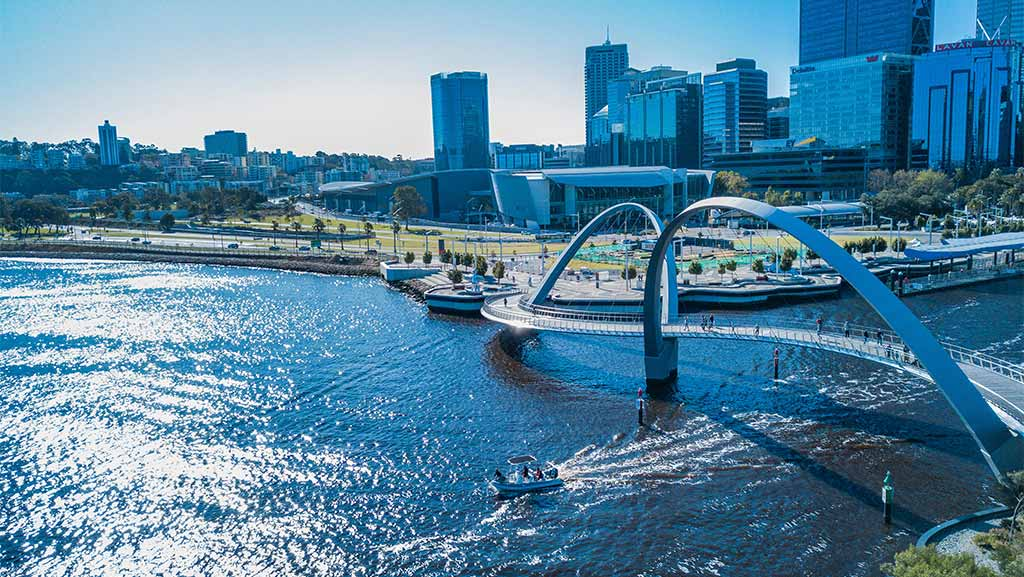 perth cbd and bridge over the swan river