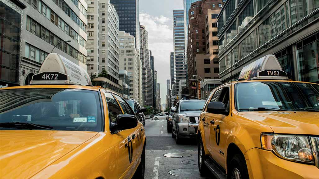 2 yellow cabs in the USA